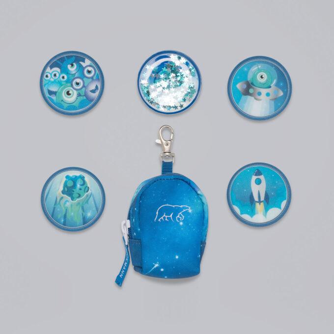 Button bag, galaxy, minisekk med ekstra buttons til å feste på skolesekken, 5 forskjellige design