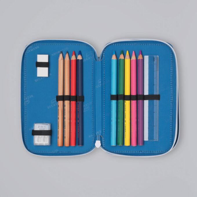 Trelagspennal galaxy, medfølgende fargeblyanter, blyanter, viskelær, linjal, spisser