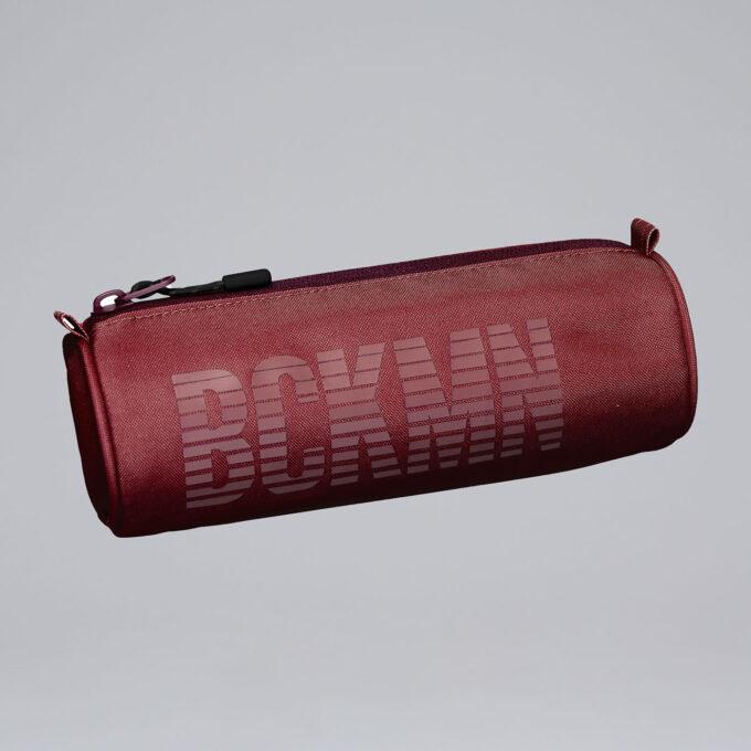 Pennal sport, rust, rødt rundt pennal med Bckmn trykk, matcher sport-sekken